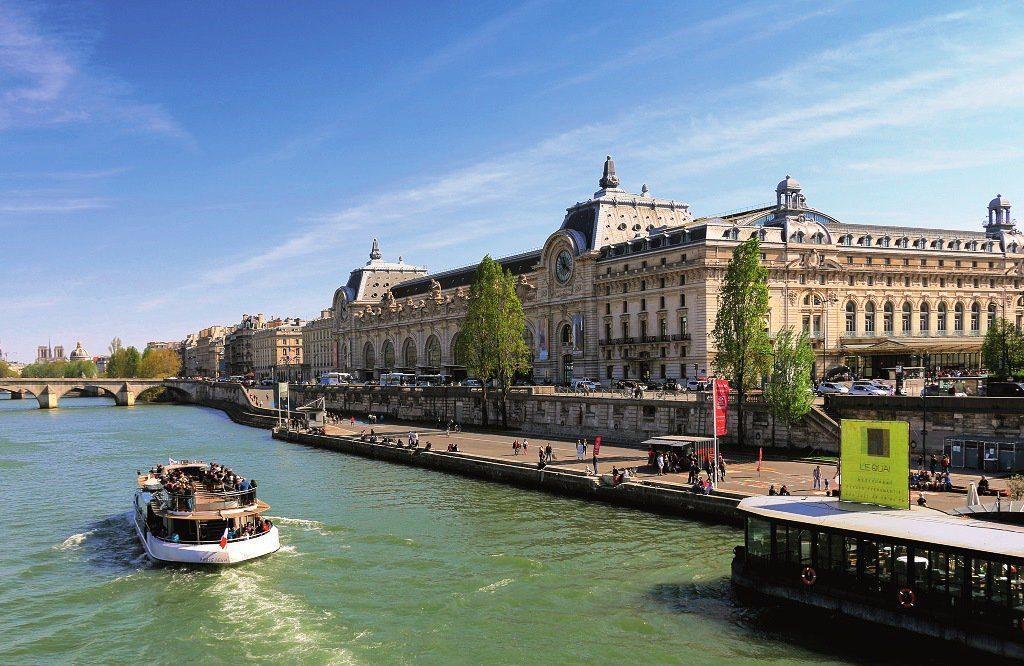 Париж Сена кораблик