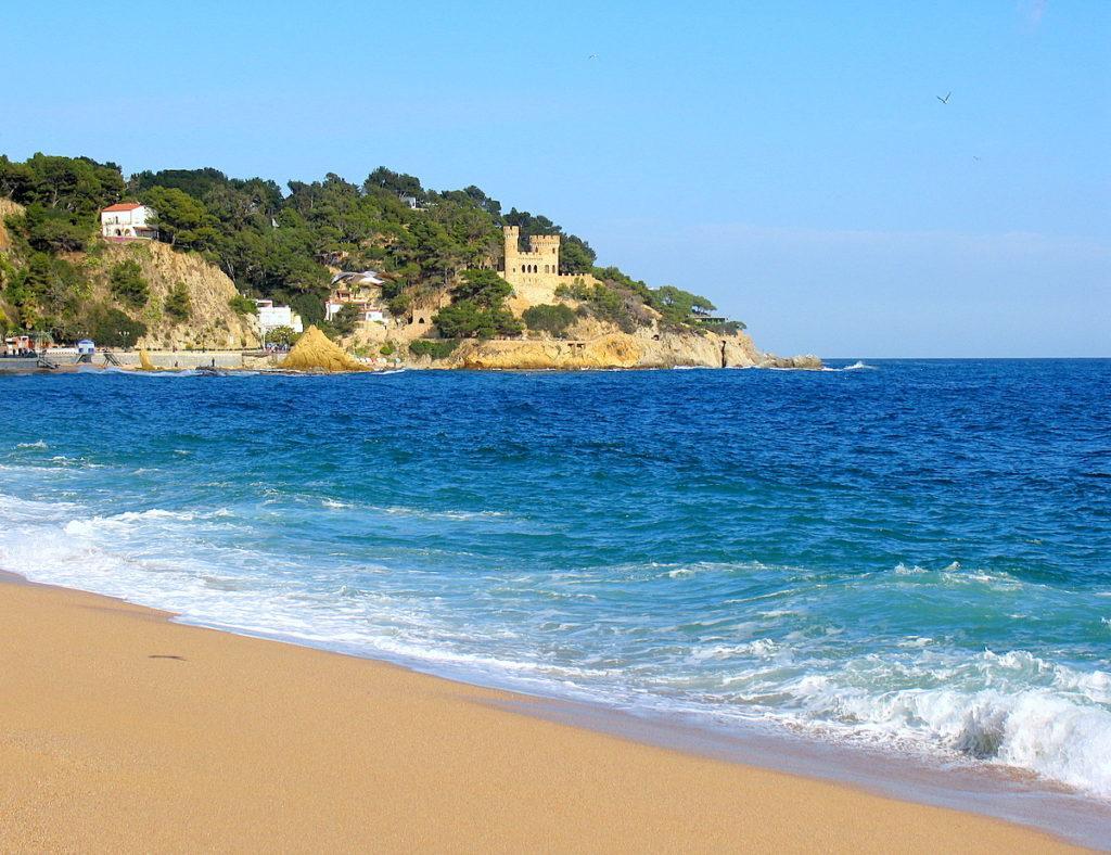 вид с побережья Ллорет де Мар
