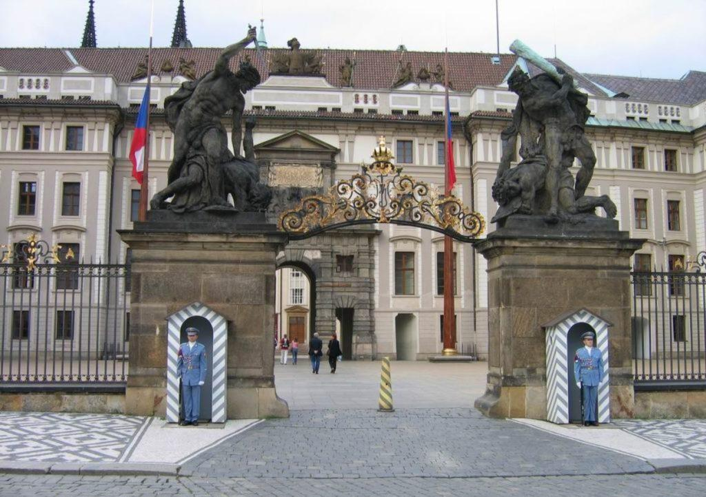 Дворец Президента в Праге