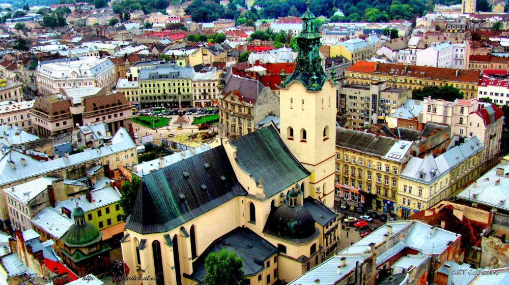 Підпірну стінку та сходи у центрі Львова ремонтуватимуть за майже півтора мільйона гривень