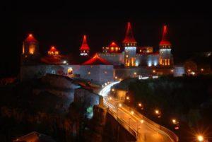 Каменецкая крепость ночью